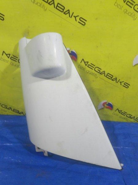 Щечка Nissan Atlas AKR81 передняя правая (б/у)