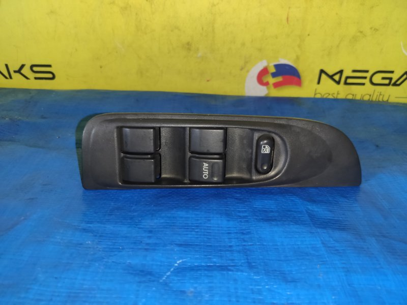 Блок упр. стеклоподьемниками Daihatsu Charade G200S передний правый (б/у)