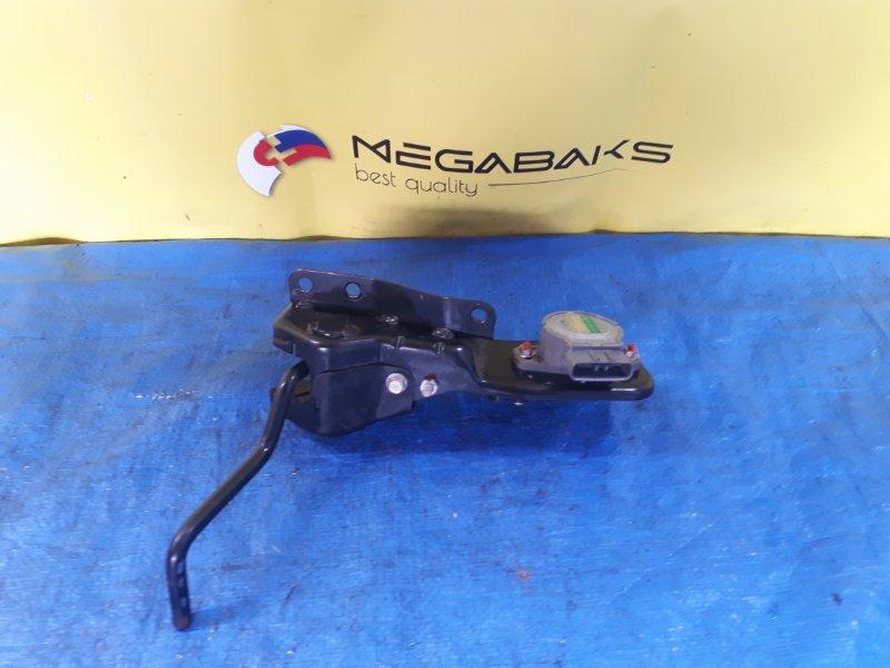 Педаль подачи топлива Mitsubishi Fuso FE74DV 4M50T MK386457 (б/у)