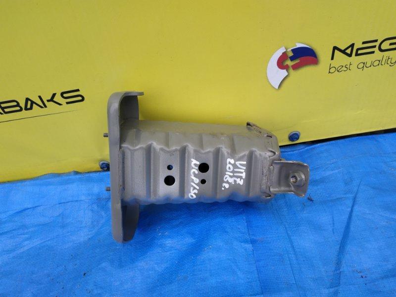 Крепление жесткости бампера Toyota Vitz KSP130 переднее правое III MODEL (б/у)