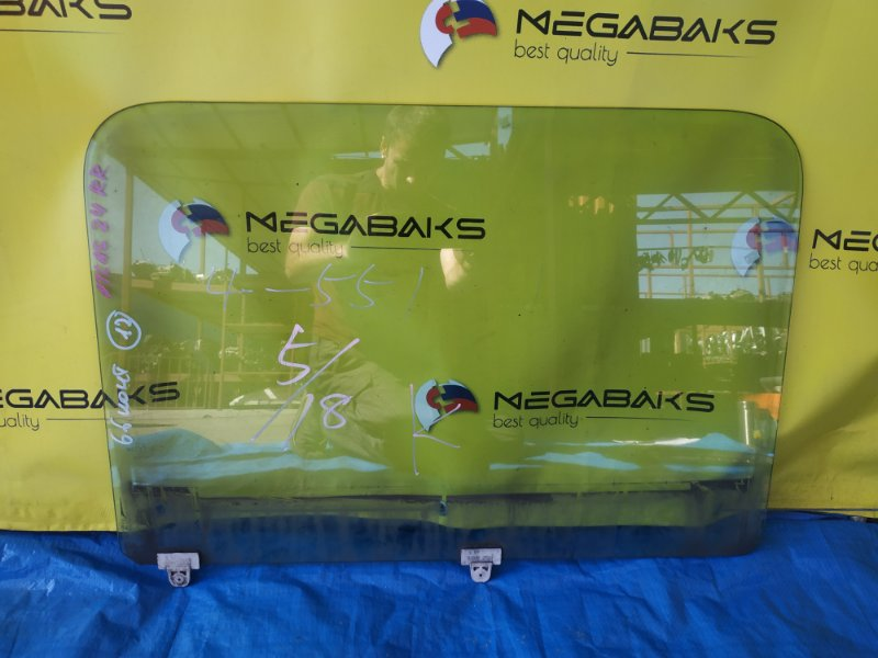 Стекло двери Nissan Atlas F24 заднее правое (б/у)