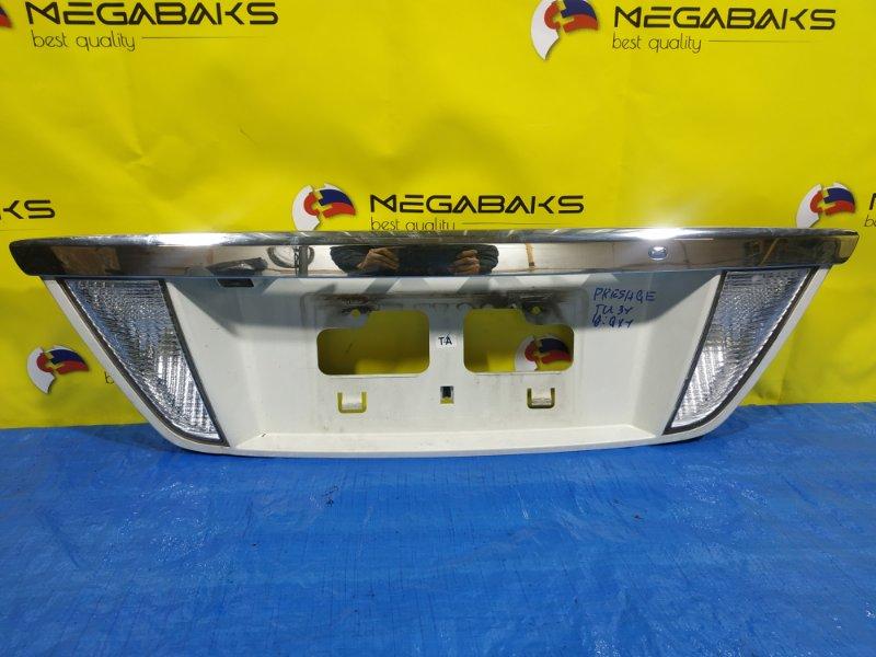 Накладка 5-й двери Nissan Presage TU31 (б/у)