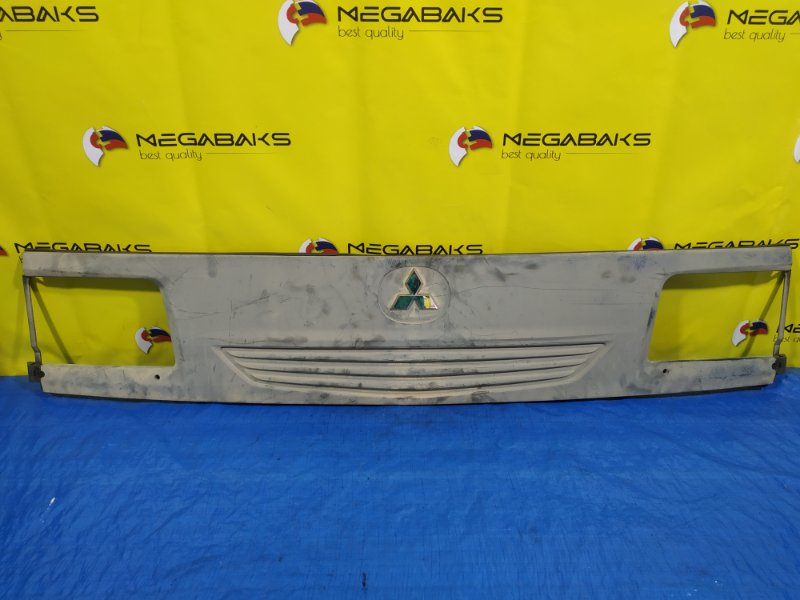 Решетка радиатора Mazda Bongo Brawny SKE6V S49K50710001 (б/у)