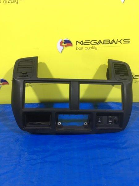 Консоль магнитофона Nissan Atlas F24 (б/у)