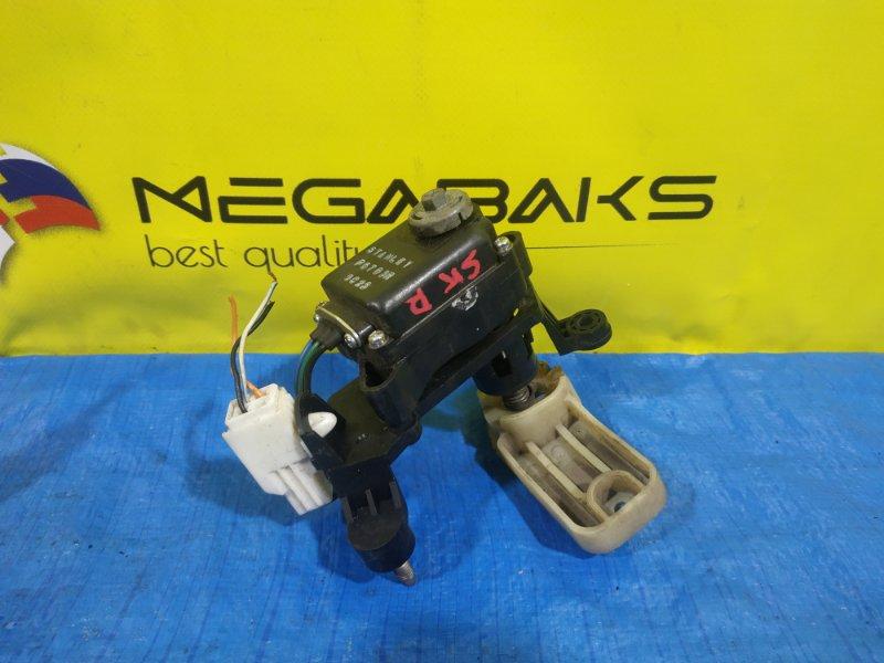 Корректор фары Mazda Bongo SK правый P5783R (б/у)