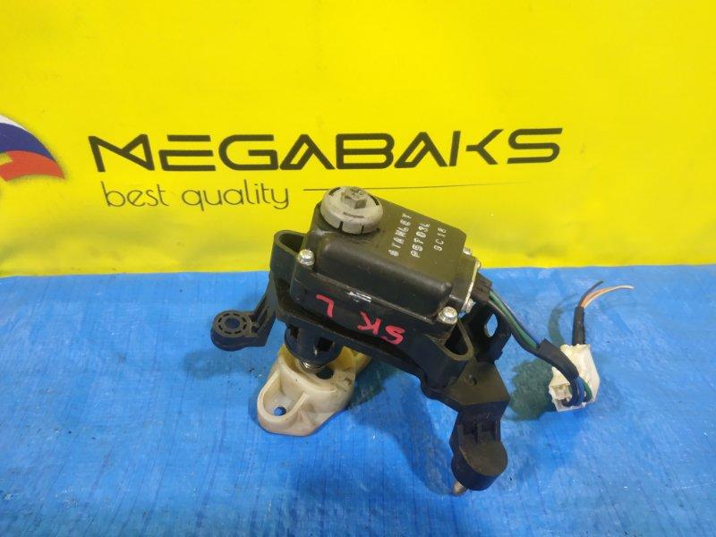 Корректор фары Mazda Bongo SK левый P5783L (б/у)