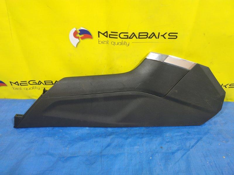 Пластик салона Subaru Forester SKE правый 66241 SJ080 (б/у)