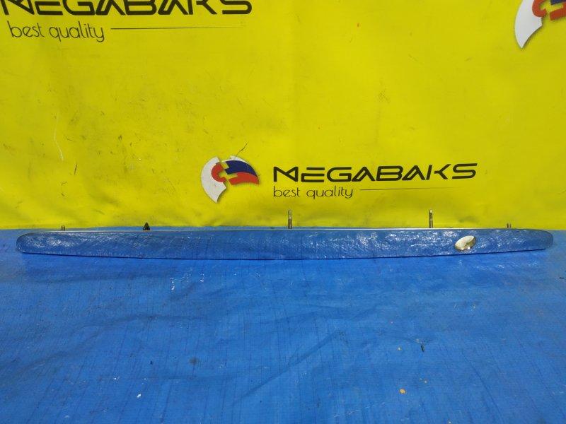 Накладка на багажник Mazda Familia BJ5P (б/у)