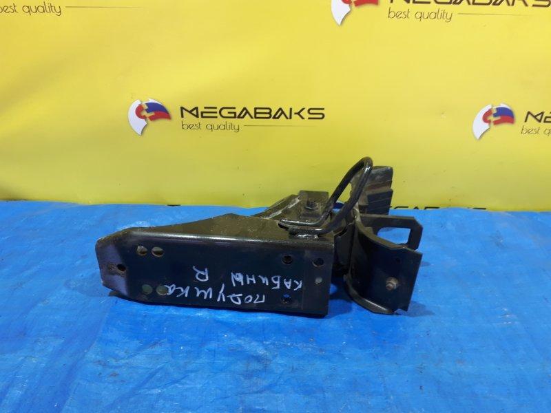 Подушка кабины Mazda Titan WHF3 TF правая (б/у)
