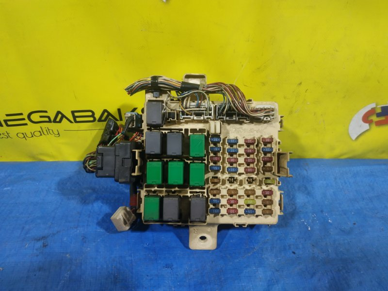 Блок предохранителей Hino Profia FW1EXW 24V (б/у)