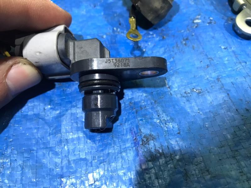 Датчик положения распредвала Subaru Forester SKE FB20 (б/у)