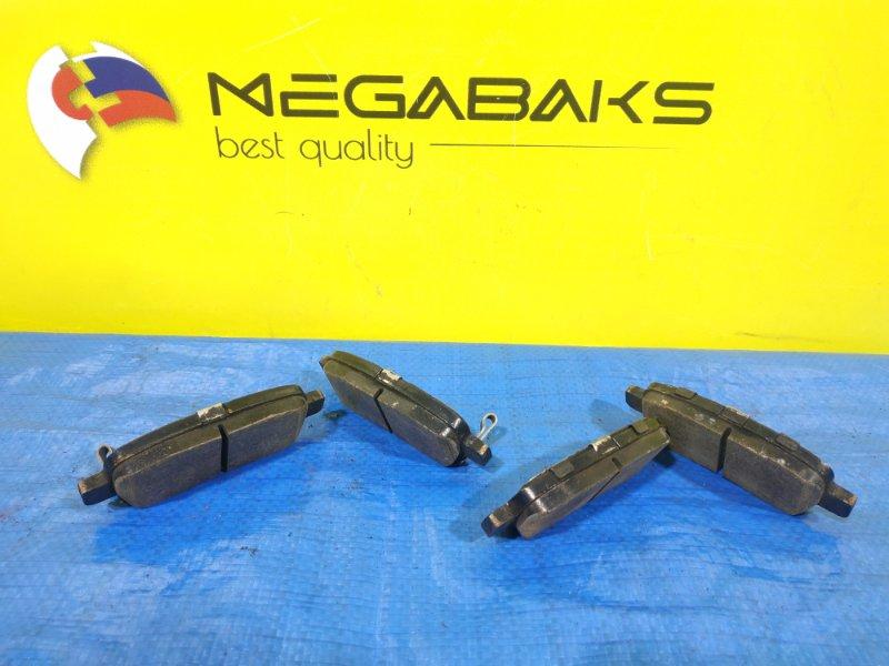 Колодки тормозные Nissan Elgrand E51 задние (б/у)