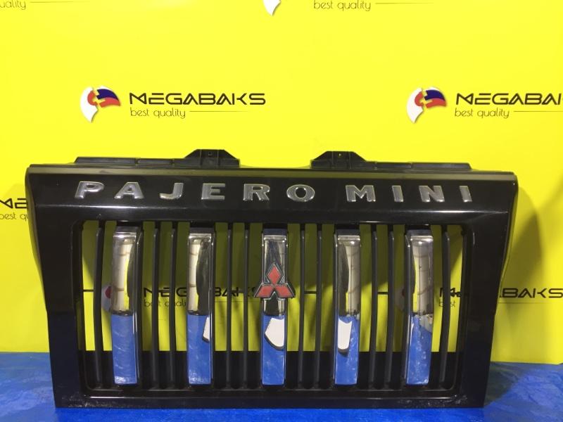 Решетка радиатора Mitsubishi Pajero Mini H58A MR795710 (б/у)
