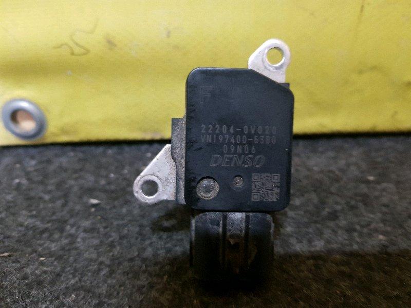 Расходомер воздушный Toyota Voxy ZRR80 (б/у)