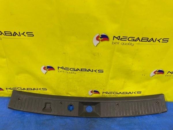 Накладка замка багажника Nissan Ad Y11 (б/у)