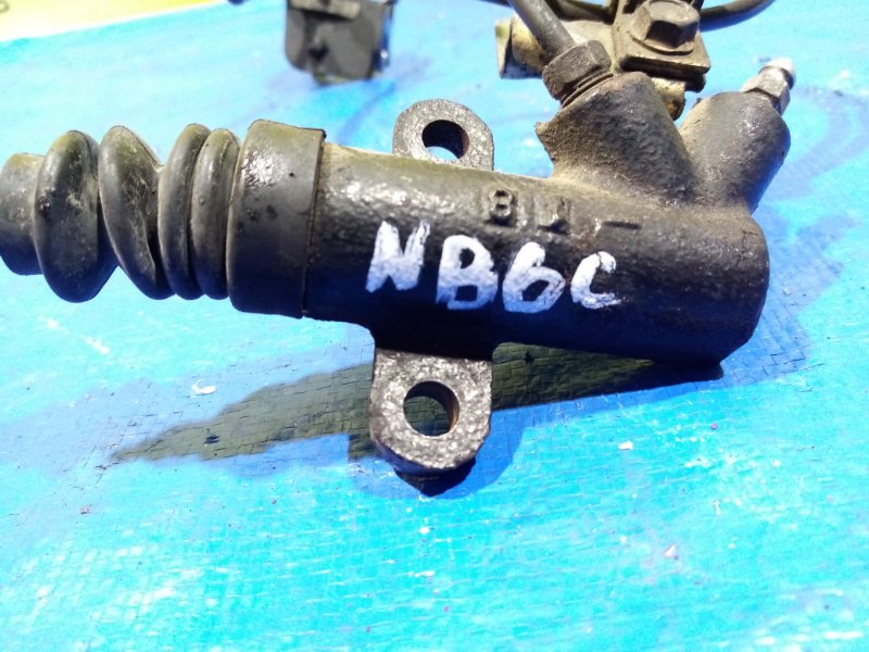 Рабочий цилиндр сцепления Mazda Roadster NB6C B6 (б/у)