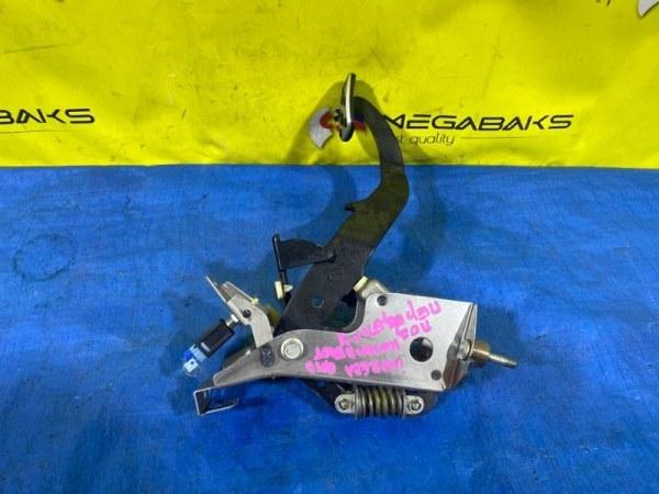 Педаль сцепления Subaru Impreza GH3 (б/у)
