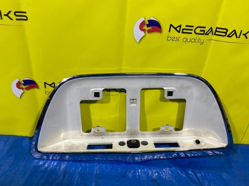 Накладка на багажник Toyota Brevis JCG10 (б/у)