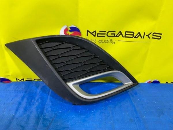 Заглушка бампера Mazda Axela BL5 правая (б/у)