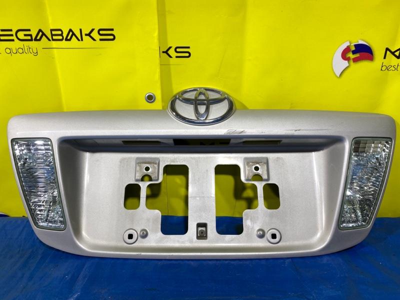 Накладка 5-й двери Toyota Corolla Fielder NZE121G 81670-13050 (б/у)