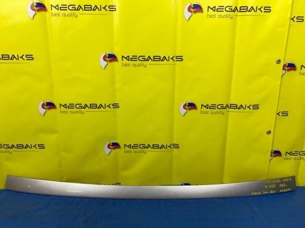 Накладка 5-й двери Nissan Wingroad Y11 (б/у)