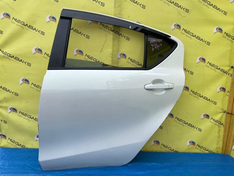 Дверь Toyota Aqua NHP10 задняя левая (б/у)