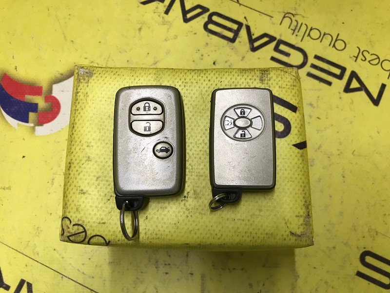 Ключ зажигания Toyota Crown GRS18* (б/у)