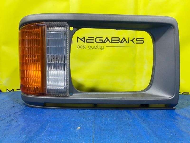 Очки на фары Mazda Bongo SD29M правые (б/у)