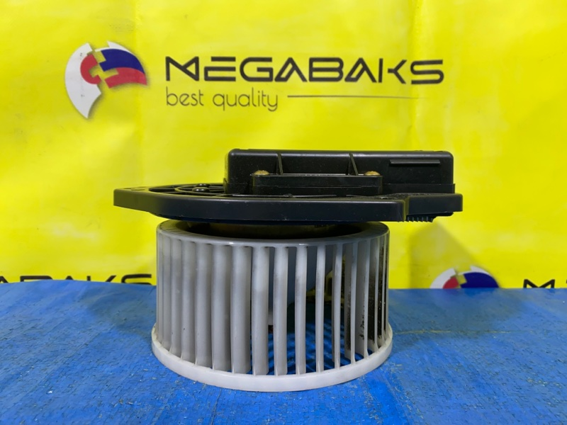 Мотор печки Mitsubishi Pajero Io H76W 4G93 (б/у)