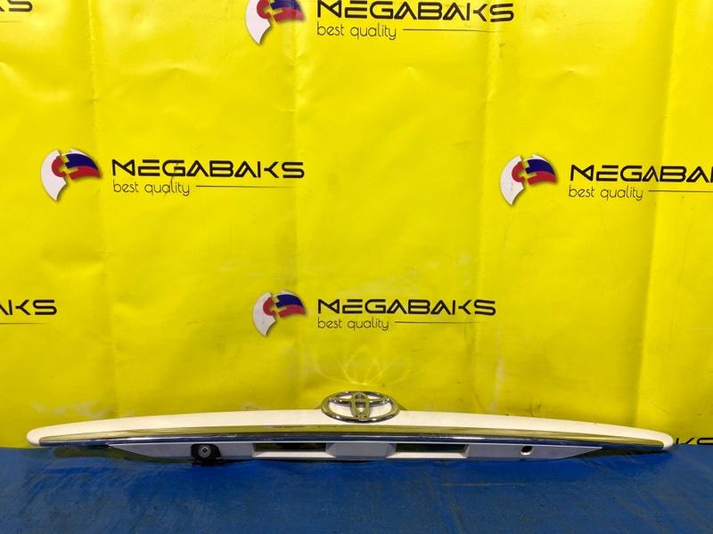 Накладка на багажник Toyota Mark Ii GX115 (б/у)