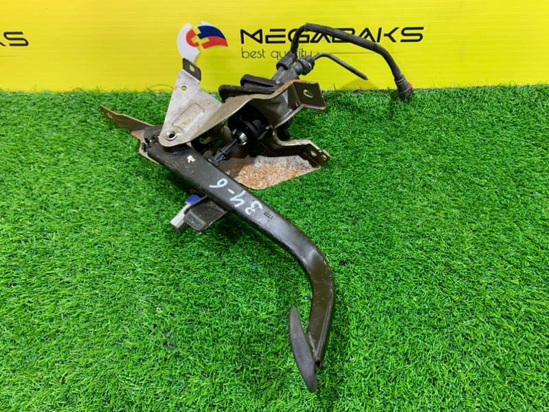 Главный цилиндр сцепления Mazda Axela BK5P (б/у)