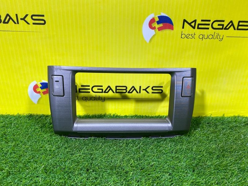 Консоль магнитофона Toyota Passo Sette M502E (б/у)