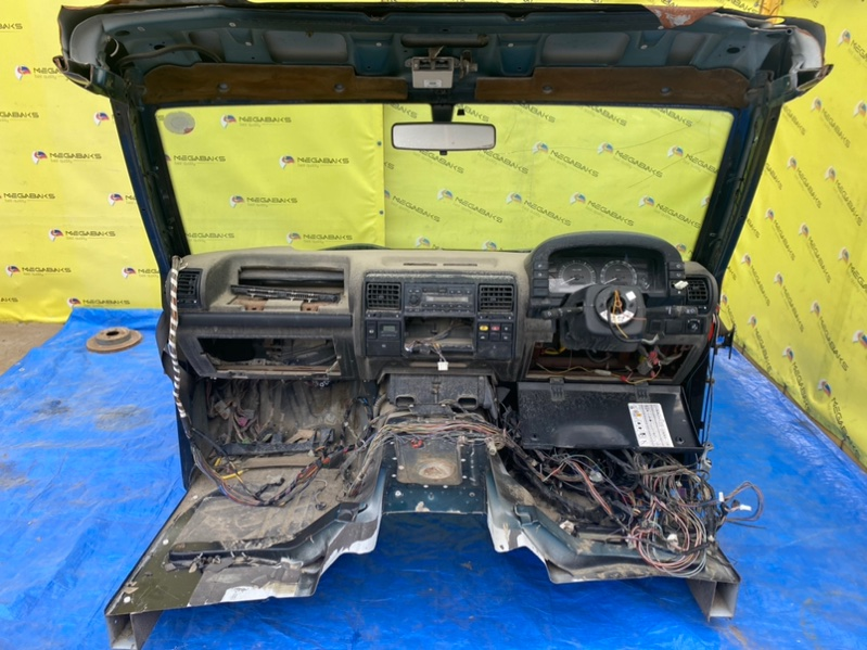 Кожух рулевой колонки Land Rover Discovery L318 94D (б/у)