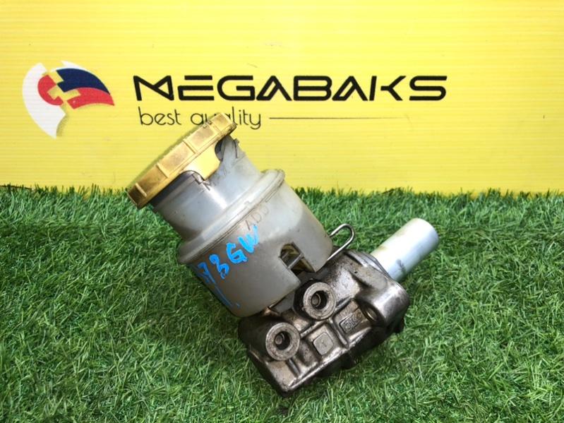 Главный тормозной цилиндр Isuzu Bighorn UBS73 4JX1 (б/у)