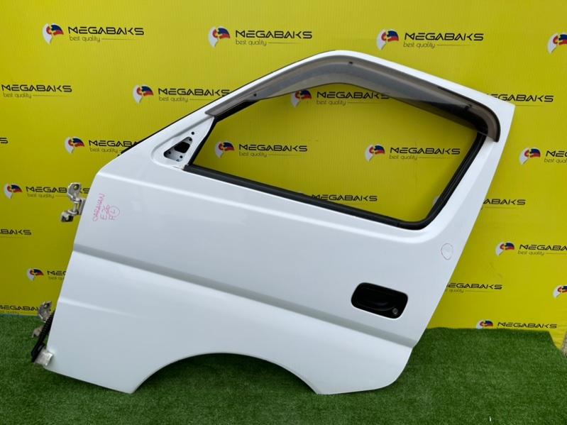 Дверь Nissan Caravan E25 передняя левая (б/у)