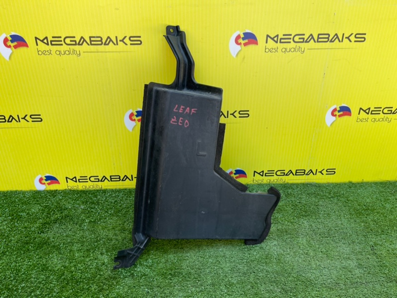 Защита радиатора Nissan Leaf ZE0 левая (б/у)
