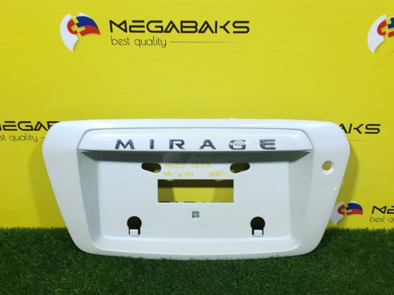 Накладка 5-й двери Mitsubishi Dingo CQ2A 2000 (б/у)