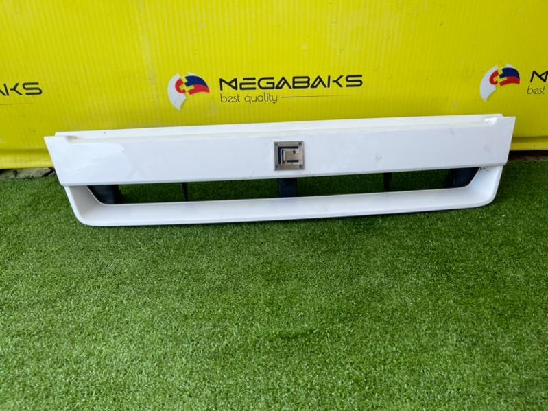 Решетка радиатора Nissan Cube AZ10 II MODEL (б/у)