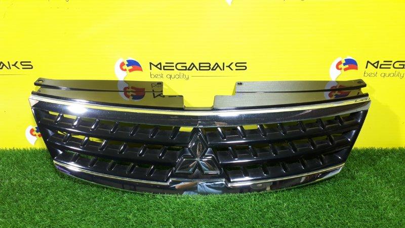 Решетка радиатора Mitsubishi Outlander CW5W (б/у)