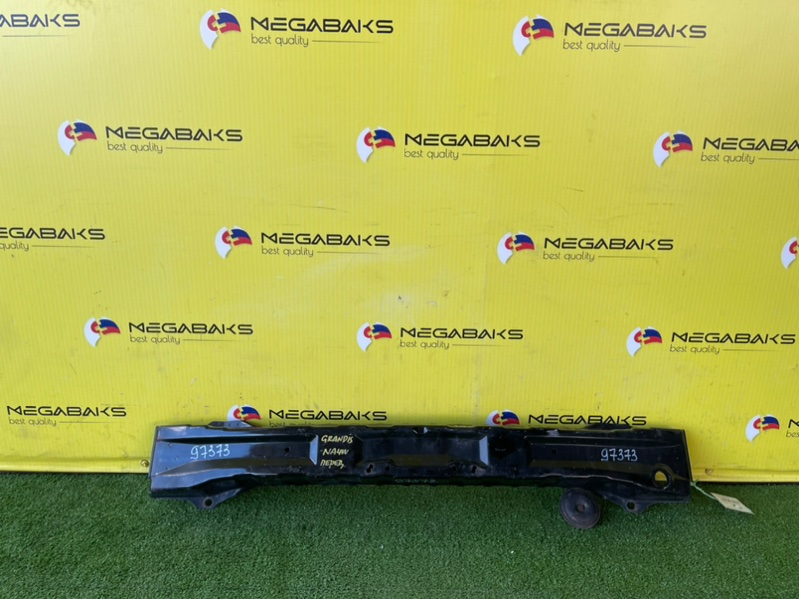 Жесткость бампера Mitsubishi Grandis NA4W 4G69 передний (б/у)