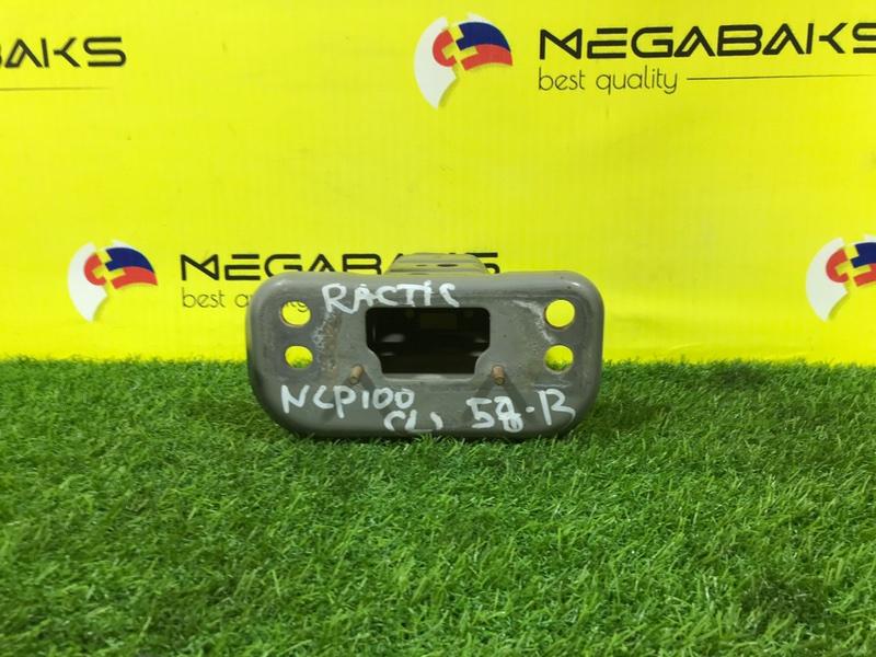 Крепление жесткости бампера Toyota Ractis NCP105 переднее левое (б/у)