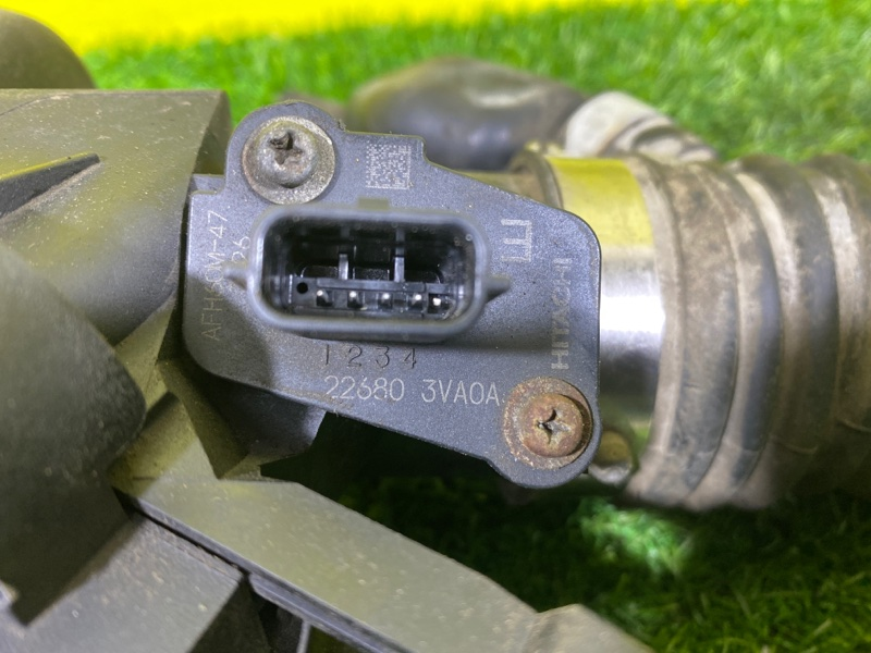 Расходомер воздушный Nissan Note E12 HR12DDR (б/у)