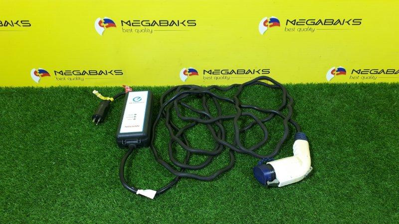 Зарядное устройство Nissan Leaf ZE0 2012 (б/у)