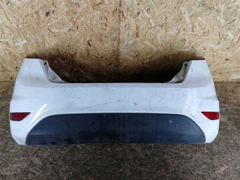 Бампер задний Ford Fiesta MK6 2015 (б/у)