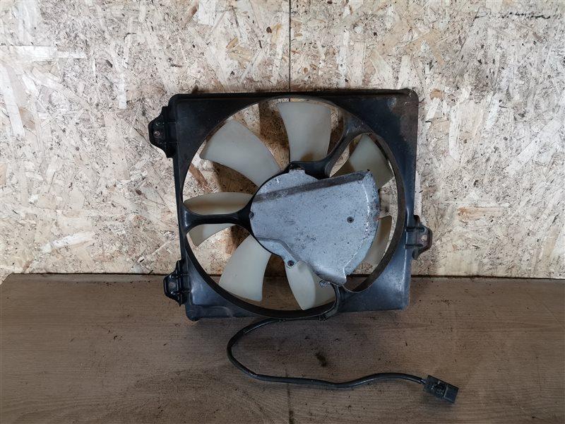 Вентилятор радиатора кондиционера Toyota Rav4 XA20 2003 (б/у)