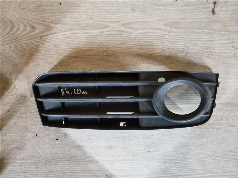 Решетка в бампер правая Audi A4 B8 2011 (б/у)