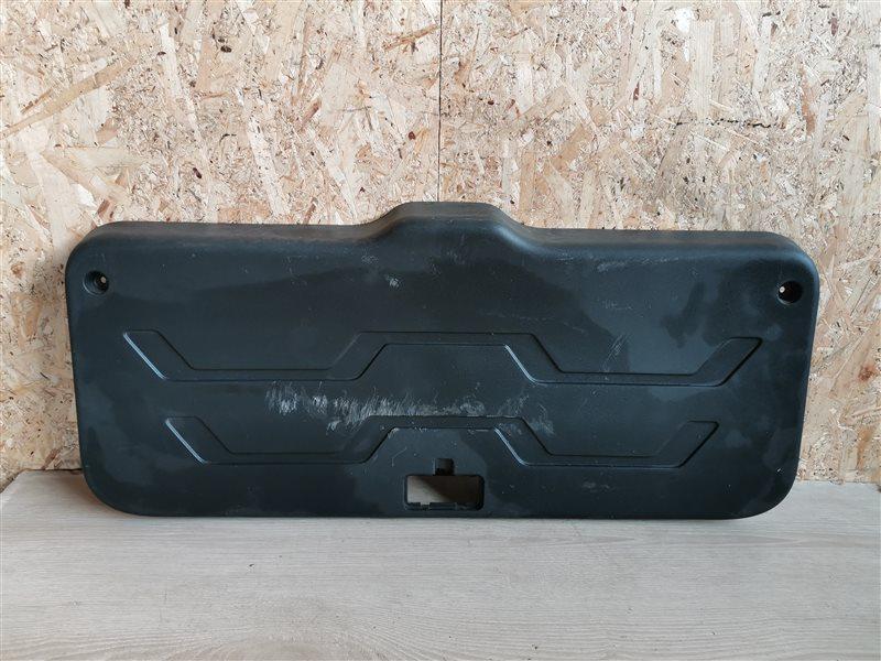 Обшивка двери багажника нижняя Kia Soul 2009 (б/у)