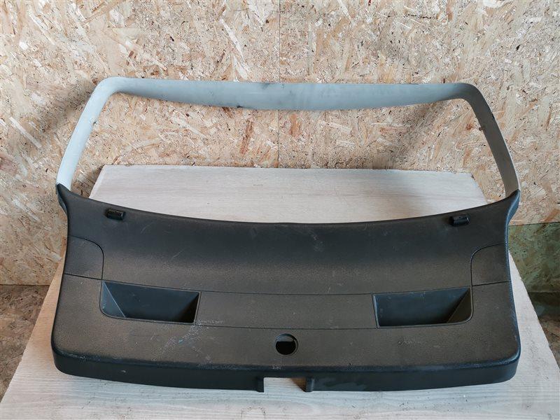 Обшивка двери багажника Volkswagen Golf V 2007 (б/у)