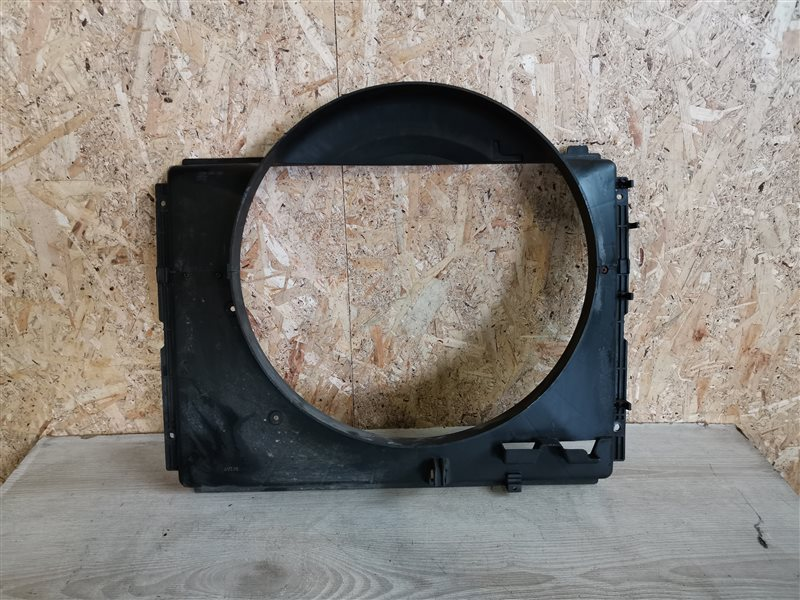 Диффузор вентилятора Kia Sorento 1 2007 (б/у)