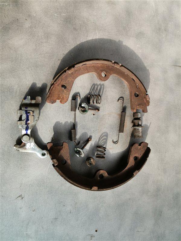 Колодки ручного тормоза Infiniti M/q70 Y51 V9X 2011 (б/у)